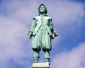 henry hudson statue
